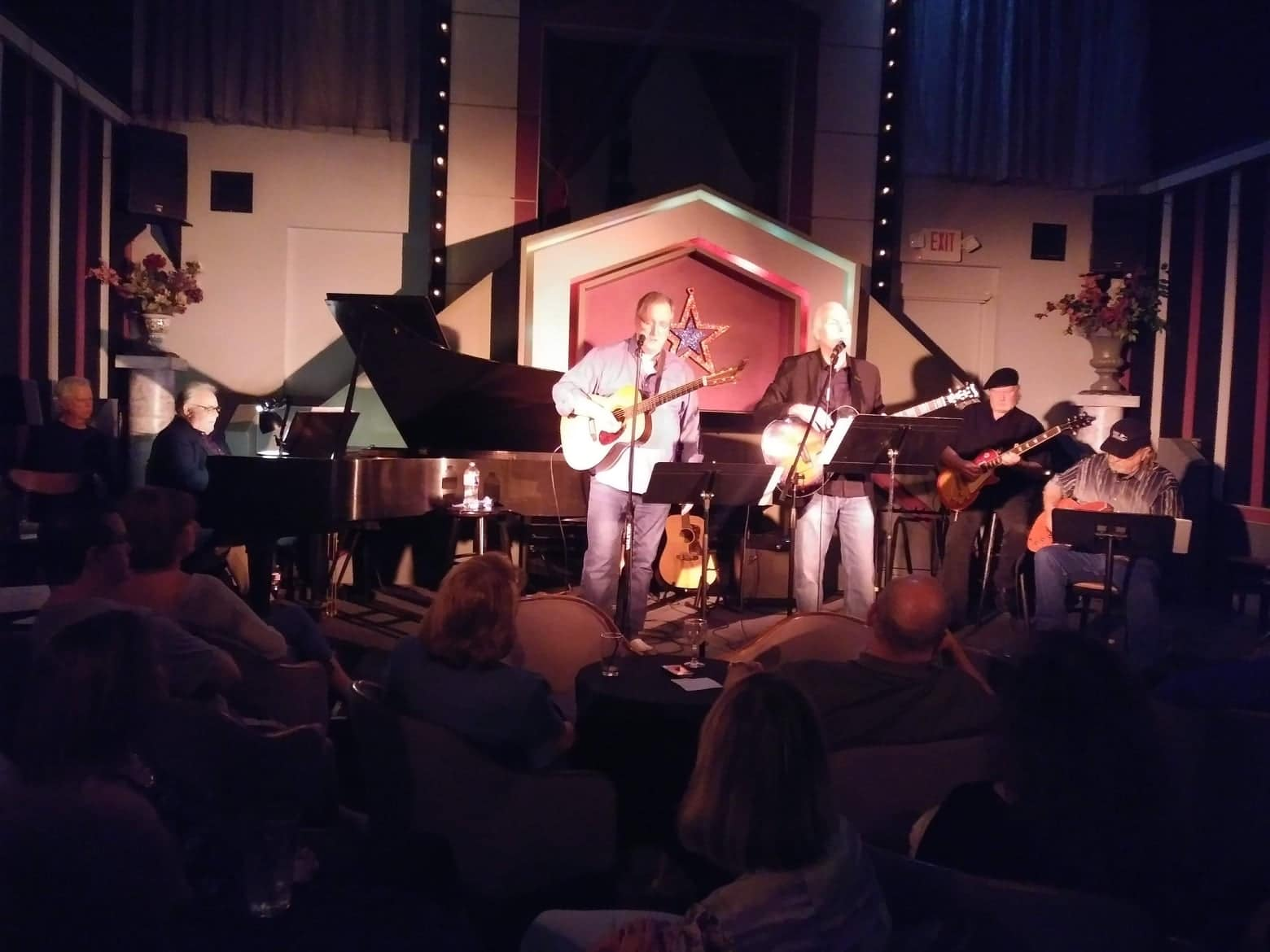 Dennis Welch and band in Ovations club, Houston Texas